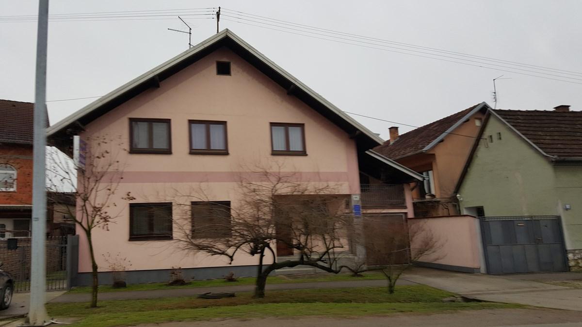 "Studio apartman i apartman ""Perić"""