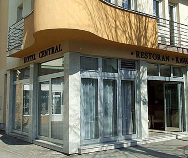 http://visitslavonija.hr/data-pps/source/slavonski_brod/smjestaji/hotel_central/Hotel_Panorama1.jpg