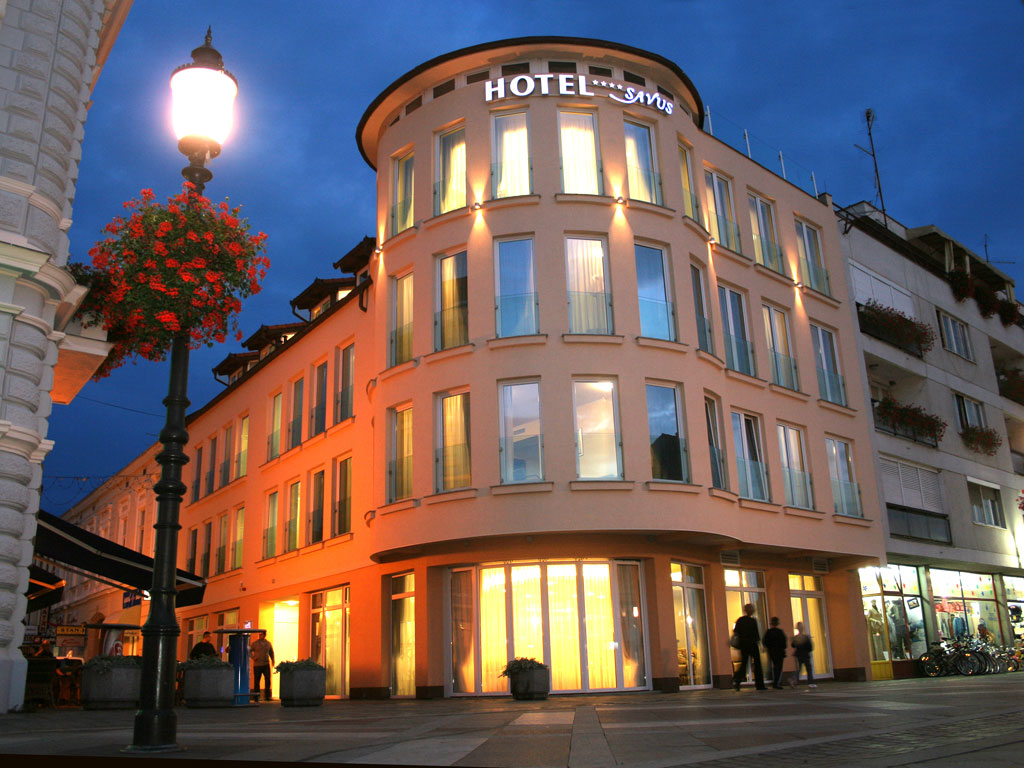 "Hotel ""Savus"""